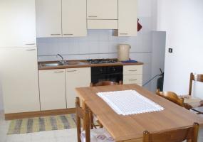 questa è la foto della cucina  di un appartamento in torre pali