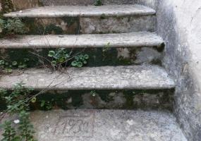 nella foto vediamo una scala antica del 1931 in morciano di leuca