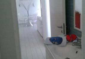 foto di un bagno di una casa vacanze in salento precisamente in Santa Maria di Leuca