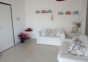foto del soggiorno di un appartamento usato come casa vacanze in Salento precisamente in Santa Maria di Leuca